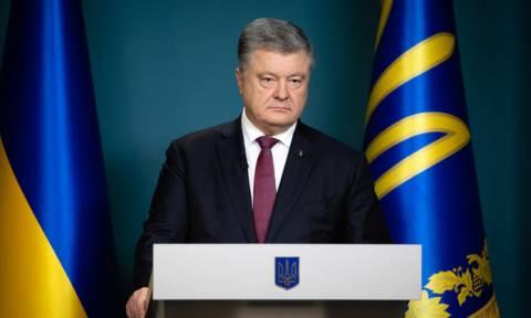 Порошенко утвердил введение военного положения на Украине