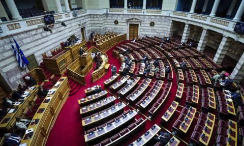 Ψηφίστηκαν οι τροπολογίες για ΕΝΦΙΑ, κοινωνικό μέρισμα, συντελεστή φορολογίας και Μάτι