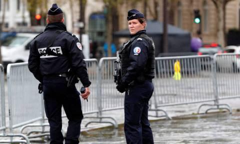 Λήξη συναγερμού στη Γαλλία: Στα χέρια των Αρχών η γυναίκα που απειλούσε να ανατιναχθεί