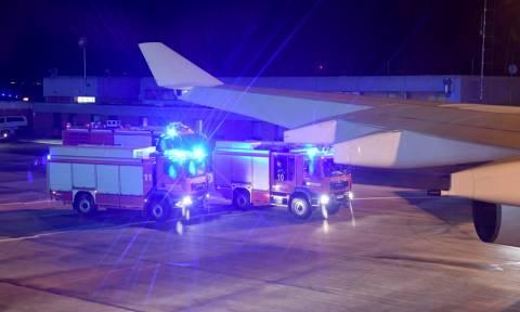 Πανικός στην πτήση της Μέρκελ: Τα 20 λεπτά τρόμου στον άερα (pics+vid)