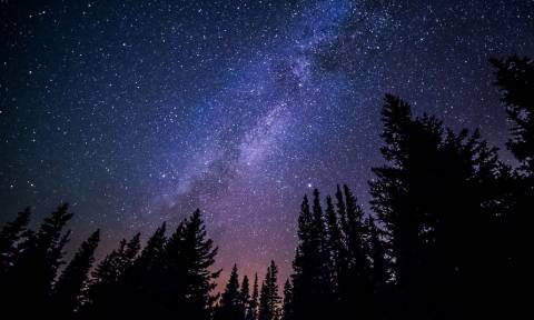 Επιστήμονες υπολόγισαν για πρώτη φορά το φως όλων των άστρων!