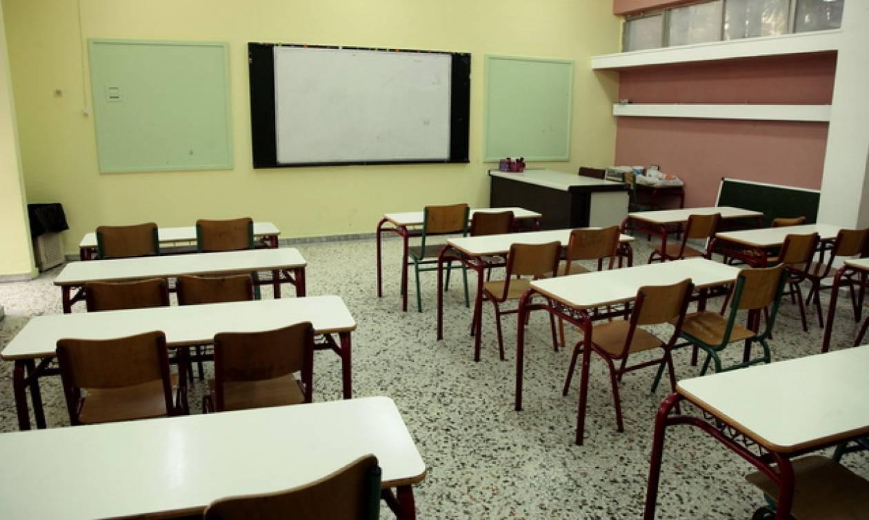 Χριστούγεννα 2018 - Πρωτοχρονιά 2019: Δείτε πότε κλείνουν τα σχολεία για τις διακοπές