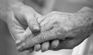 Θρίλερ στην Πάτρα: Ζευγάρι ηλικιωμένων βρέθηκε νεκρό - Εντοπίστηκε 10 ημέρες μετά(pics+vid)
