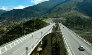 Τραγωδία: Άντρας πήδηξε από γέφυρα της Εγνατίας κοντά στην Καλαμπάκα