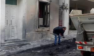 Επίθεση με πέτρες και μολότοφ στο σπίτι του Φλαμπουράρη στα Εξάρχεια - 19 προσαγωγές