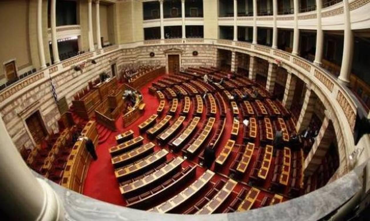 Βουλή: Με τη διαδικασία του επείγοντος η συζήτηση για την μη περικοπή των συντάξεων