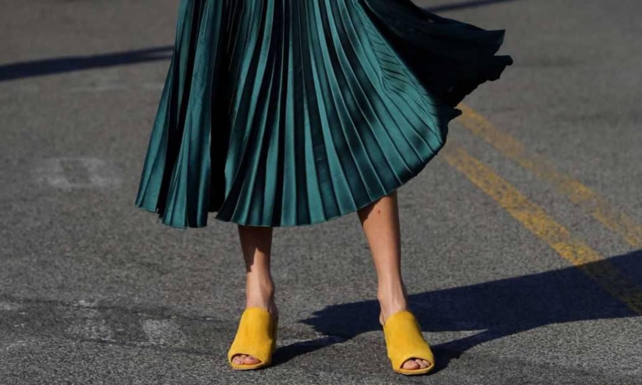 Queen SOS: Πώς να φορέσεις την πλισέ φούστα σου;