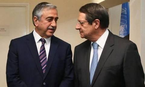 Τηλεφωνική συνομιλία Αναστασιάδη-Ακιντζί για παροχή βοήθειας στα κατεχόμενα
