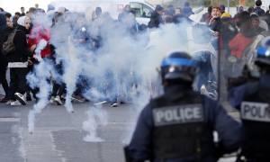 Σοκ στη Γαλλία: Αστυνομικοί κρατούν «αιχμάλωτους»  δεκάδες μαθητές (vid)