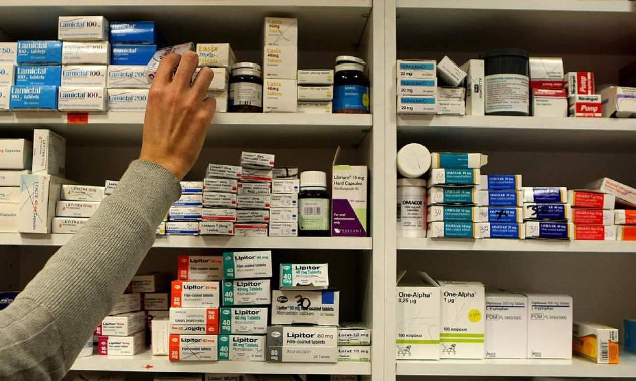 Σάλος: Φαρμακοποιός αρνήθηκε να πουλήσει αντισυλληπτικά χάπια «για λόγους ηθικής»