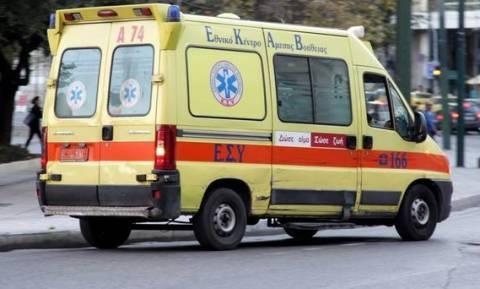 Λάρισα: Μετωπική σύγκρουση αυτοκινήτων - Τρία άτομα στο νοσοκομείο