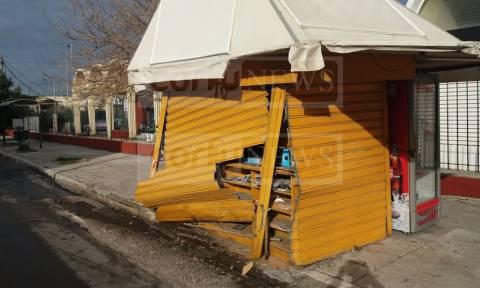 Kέρκυρα: Τρελή πορεία για Ι.Χ. – Άγιο είχαν οι επιβάτες (pics)
