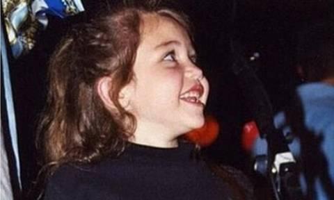 Αναγνωρίζεις το κοριτσάκι της φωτογραφίας;
