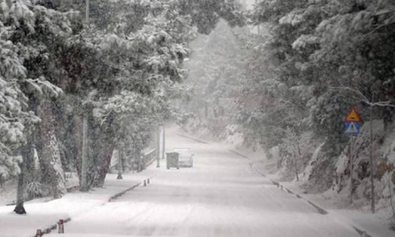 Εβδομάδα κακοκαιρίας με καταιγίδες και χιόνια. Ο καιρός μέχρι και το Σάββατο... (photos)