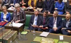 Brexit: Σε πανικό η Τερέζα Μέι – Αναβάλλει την ψηφοφορία για να γλιτώσει την πανωλεθρία - Δείτε LIVE