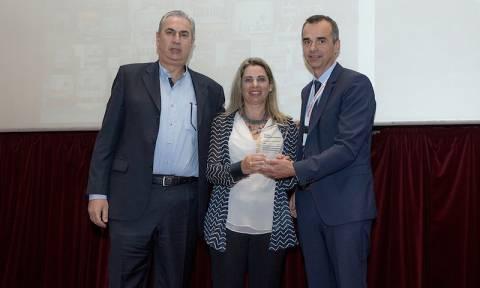 VECHRO: Βράβευση της οικογένειας Χατζηνικόλα