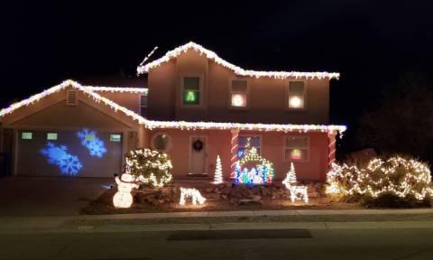 Στολίζετε τον εξωτερικό χώρο του σπιτιού σας με φωτάκια; Είκοσι προτάσεις για να πάρετε ιδέες (pics)
