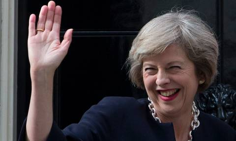 Brexit: Τη «γλίτωσε» προσωρινά η Τερέζα Μέι - Απορρίφθηκε η πρόταση μομφής σε βάρος της (Vid)