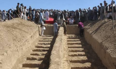 Μακάβριο εύρημα στη Συρία: Ανακαλύφτηκαν επτά ομαδικοί τάφοι στην πόλη Μπουκάμαλ