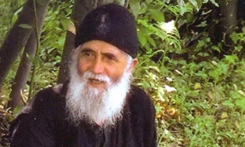 Άγιος Γέροντας Παΐσιος: «Πώς θα ζήσουμε πνευματικά τα Χριστούγεννα»