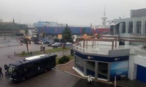 Τηλεφώνημα για βόμβα στο Παλαί Ντε Σπορ όπου μιλάει ο Αλέξης Τσίπρας