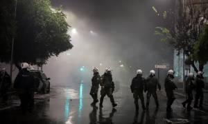 Θεσσαλονίκη: 49 προσαγωγές, μία σύλληψη και δύο αστυνομικοί τραυματίες από τα επεισόδια