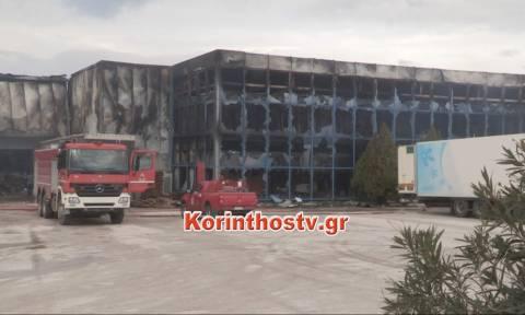 Κόρινθος: Η φωτιά στο εργοστάσιο αποκάλυψε… παρανομία! (pics&vid)