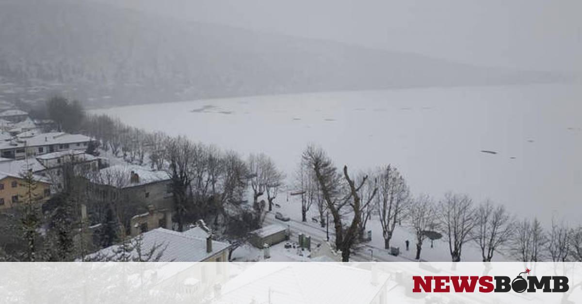 4ee48b6cba0b Καιρός  Παγοδρόμιο... η λίμνη της Καστοριάς - Μαγευτικές εικόνες (pics+