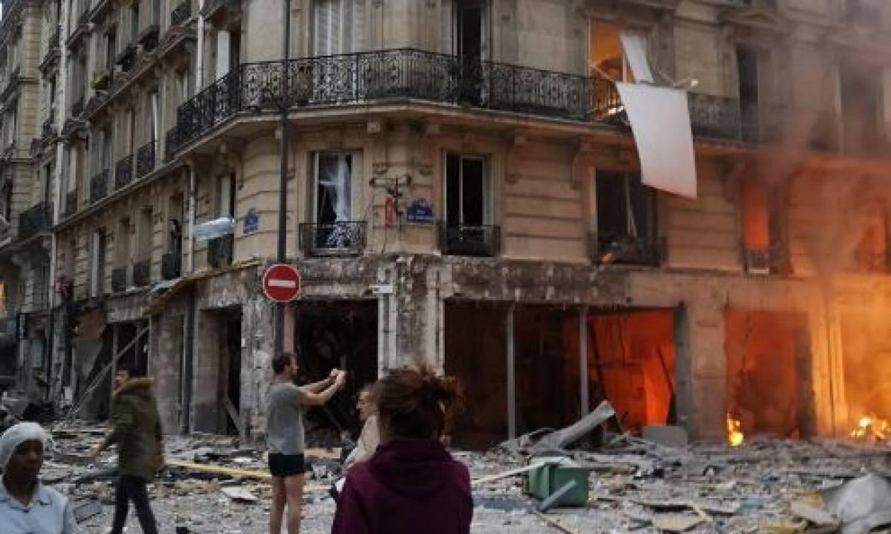 Ισχυρή έκρηξη συγκλόνισε το Παρίσι (pics&vid)